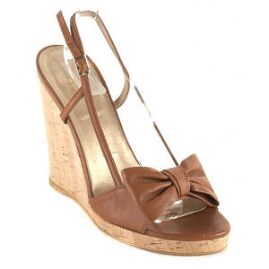stuart weitzman brown attire heels